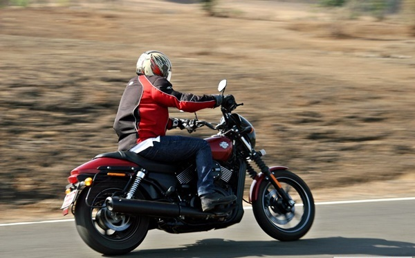 Harley Davidson Street 750 Review, Mileage, Specifications (11)