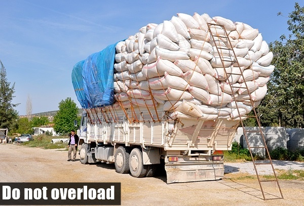 Best Safety Tips for Trucks carrying heavy Loads (12)