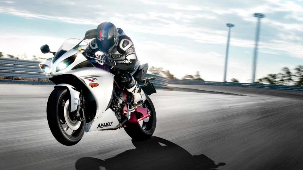 Yamaha Sports Bike HD Wallpapers
